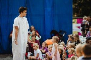 Proběhl 2. ročník open-air divadelního festivalu